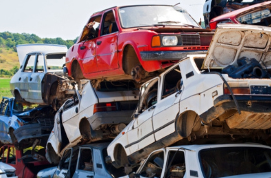 Ganz oder teilweise? – wie man ein Fahrzeug legal kratzt